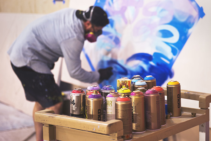 How Long Does Spray Paint Take to Dry?